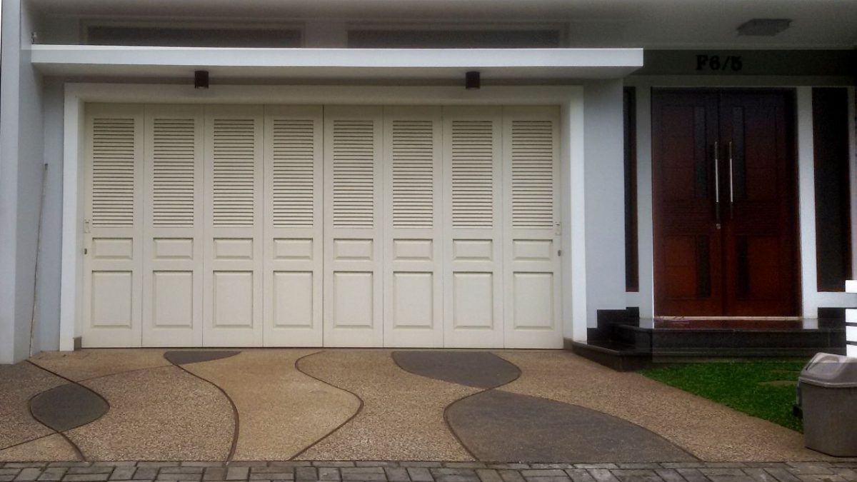 JBS = Pintu Garasi Besi Minimalis