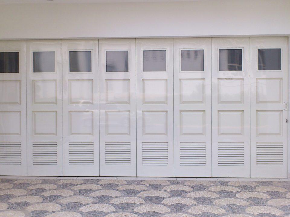 JBS - Pintu Garasi Minimalis Terbaru